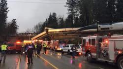 Al menos tres personas murieron en el descarrilamiento de un tren en