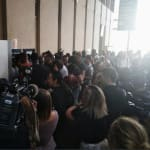 Les fans de Kaaris et Booba sont présents en nombre devant le tribunal dans l'attente du