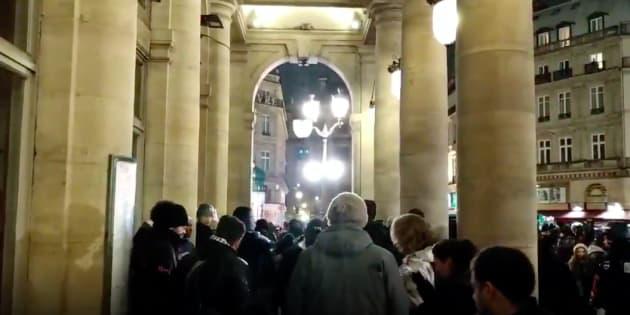 Les quelques centaines de personnes qui manifestaient réclamaient leur régularisation.