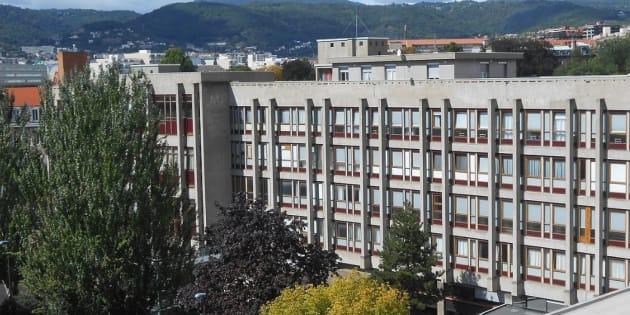 Les frais d'inscription des étudiants étrangers à la fac de Clermont-Ferrand ne seront pas augmentés (Photo: Un bâtiment de l'Université Clermont Auvergne)