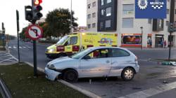 Cachondeo por lo que hizo este conductor borracho tras estampar su coche en una calle de