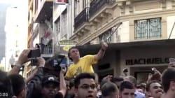 Bolsonaro é ferido com faca, e perfuração foi grave, diz Flavio