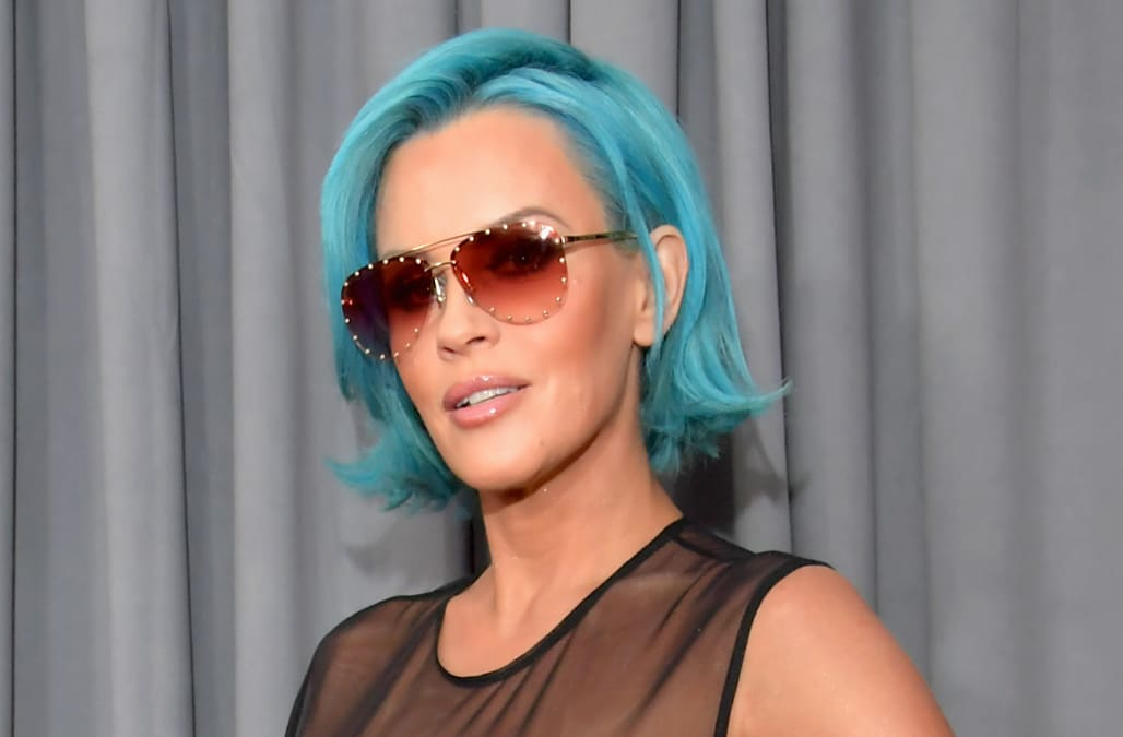 Jenny Mccarthy Hits Grammy Awards With Electric Blue Hair