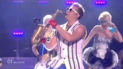 Epic Sax Guy et son déhanché sont de retour à
