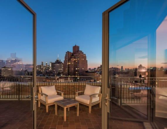 Naomi Campbell checks out West Village penthouse