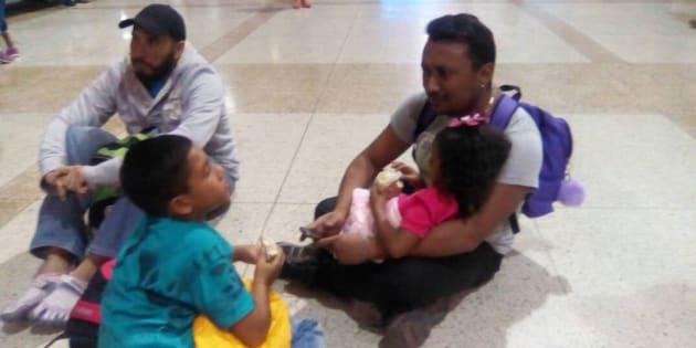 Retienen la salida de 130 niños en el aeropuerto de Maiquetía