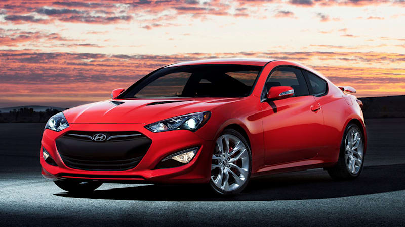 2016 hyundai genesis coupe gets minor update price bump autoblog. Black Bedroom Furniture Sets. Home Design Ideas