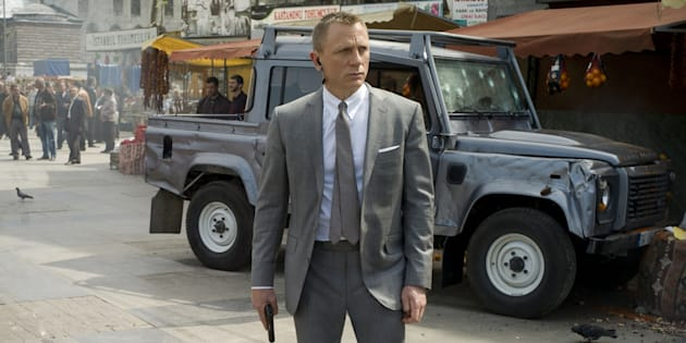 """Première dans l'histoire, le MI6 sort une pub pour changer son image """"James Bond"""""""