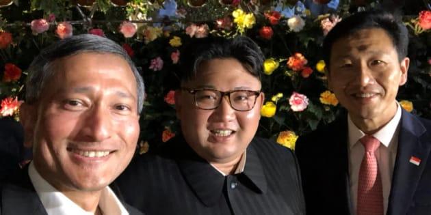 El ministro de Asuntos Exteriores de Singapur compartió unas selfie con Kim en los Jardines de la Bahía.