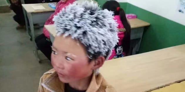 L'histoire de cet écolier aux cheveux gelés émeut la Chine
