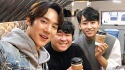 「コーヒー1杯分の寄付を」2人の俳優が募金活動を企画。東方神起に元2NE1メンバーも参加。