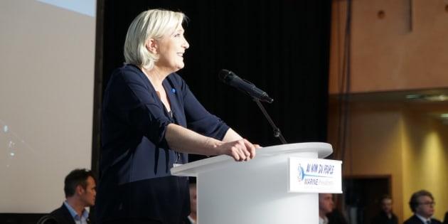 En Corse, Marine Le Pen promet d'aller plus loin sur les matchs le 5 mai en souvenir de Furiani