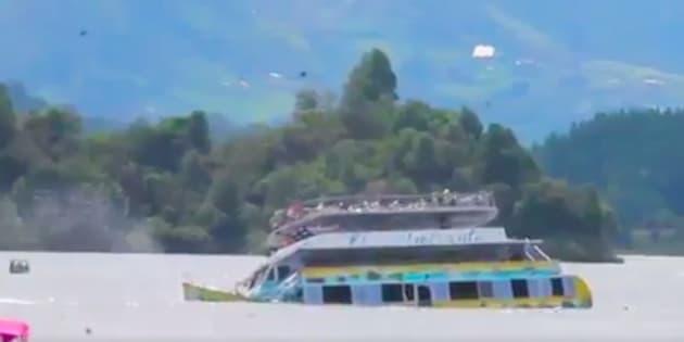 En Colombie, un bateau fait naufrage avec 150 passagers à bord