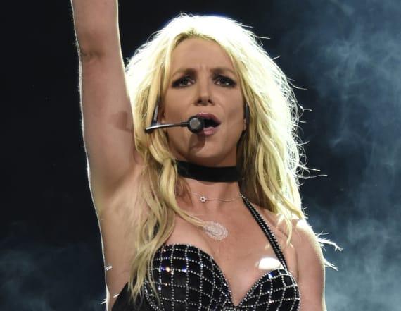 Britney Spears kicks off 'Piece of Me' tour