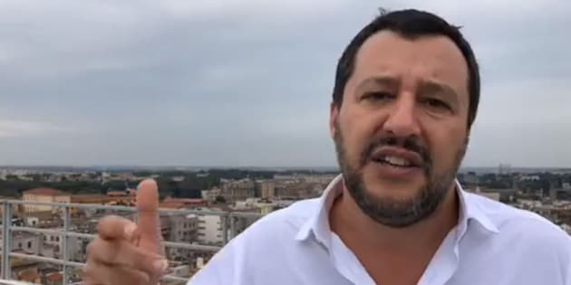 Salvini |   I negozietti etnici dovranno chiudere entro le 21  Diventano ritrovo di