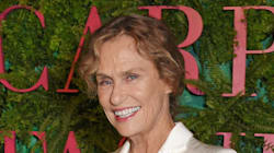 Lauren Hutton Covers Vogue Italia's 'Timeless' Issue At Age