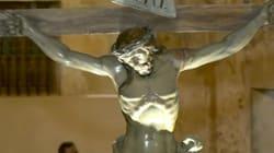 Un message secret caché dans les fesses d'une statue de Jésus pendant 240