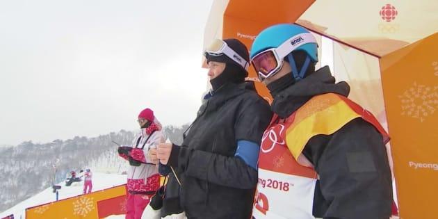 JO d'hiver 2018: Ce coach tricote (littéralement) pendant les courses de ses athlètes à Pyeongchang.