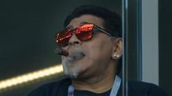 Maradona et son cigare se sont bien fait remarquer dans les tribunes de