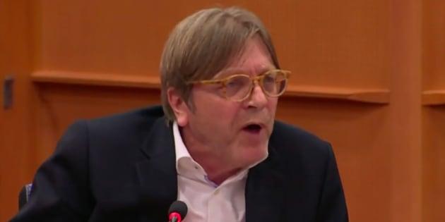 Facebook: Mark Zuckerberg a passé un sale quart d'heure face au député européen belge Guy Verhofstadt.