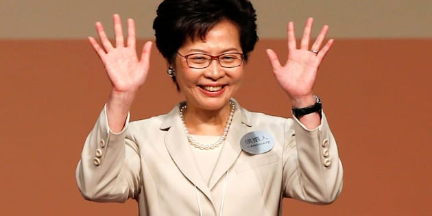 Carrie Lam waves after she won the election for Hong Kong's Chief Executive in Hong Kong, China March 26, 2017. (REUTERS/Bobby Yip)