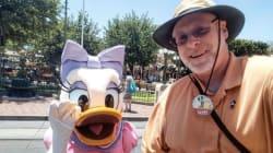 Cet homme visite Disneyland tous les jours depuis