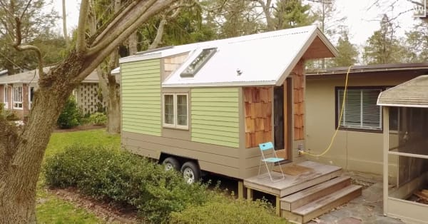 """This tiny home inspired its owner to live a more """"green"""" lifestyle"""