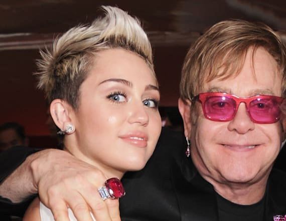 Miley Cyrus to perform with Elton John at Grammys
