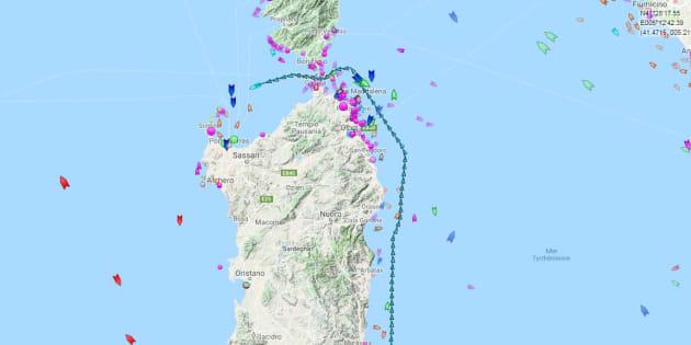 La trajectoire de l'Aquarius, passé entre la Corse et la Sardaigne dans la nuit du 14 au 15 juin.