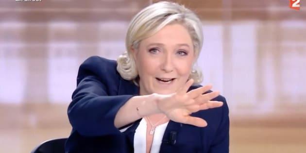 Il y a un an, Marine Le Pen commettait une contre-performance inédite lors du débat d'entre-deux-tours de la présidentielle. Depuis, elle peine à s'en remettre.