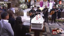 M, Yodelice et deux musiciens de Johnny font applaudir l'église de la