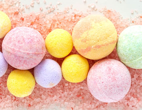 How to make bath bombs at home for self care nights