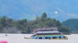 Sous les yeux des touristes, un bateau fait naufrage en Colombie avec 150 passagers à