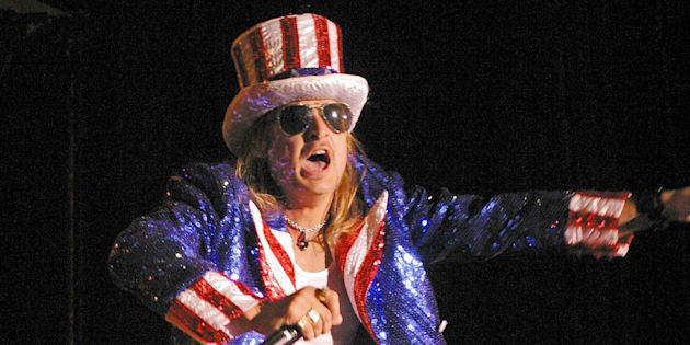 ATLANTIC CITY, NJ - JULY 4:  Kid Rock performs at the Etess Arena at Trump Taj Mahal on July 4, 2004, in Atlantic City, New Jersey.  (Photo by Donald B. Kravitz/Getty Images)