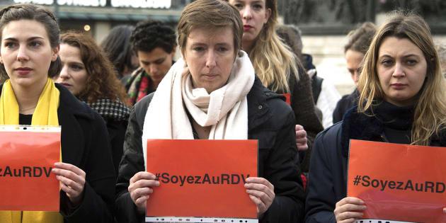 """La féministe Caroline de Haas a renoncé à être présente sur les réseaux sociaux suite aux """"violences"""" et au harcèlement dont elle a été la cible en marge du mouvement #MeToo."""