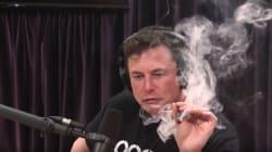 Tesla chute lourdement en bourse après une interview d'Elon Musk fumant un joint et buvant du
