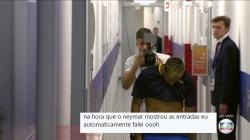 O Neymar mostrou os oblíquos ao vivo e deixou muita gente, digamos,