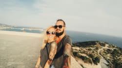 Las parejas que no cuelgan fotos en redes sociales son más