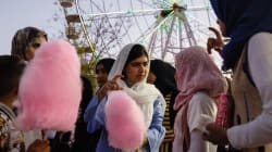Maravilloso: Malala cumple 20 años y lo celebra en el parque de atracciones de Mosul que el ISIS cerró durante tres