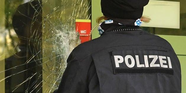 La traque de Jaber Albakr s'est achevée dans la nuit de dimanche à lundi en Allemagne. L'homme a été livré ligoté à la police par trois Syriens.