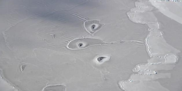 Agujeros sin aparente explicación en el Ártico.