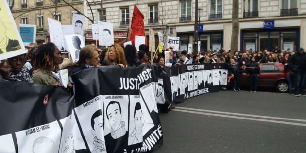 Des milliers de manifestants marchent contre les violences policières à Paris