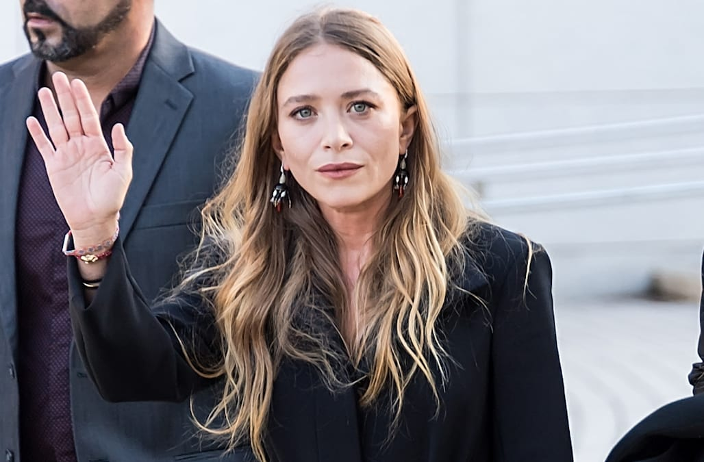 b81c6e714 Mary-Kate Olsen steps out in NYC for launch of Black Iris - AOL ...
