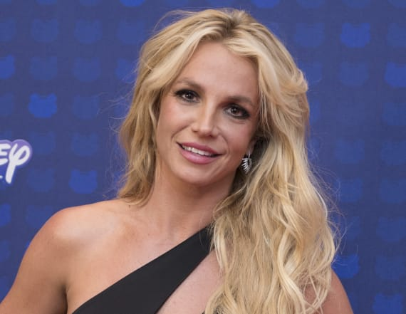 Britney Spears drops jaws at Radio Disney awards
