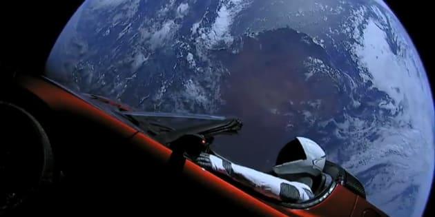 La Tesla d'Elon Musk ne va pas polluer l'orbite terrestre (mais c'est un vrai problème)