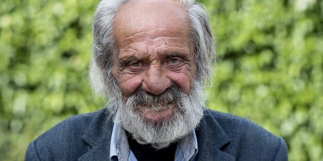 M. Bernard, sans-abri, souhaite qu'un jour on édite un livre photo pour se souvenir de lui