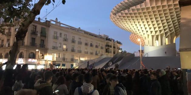 Concentración en la plaza de la Encarnación, de Sevilla.