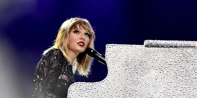 Taylor Swift performing at the DIRECTV NOW Super Saturday Night Concert at Club Nomadic on Saturday in Houston.