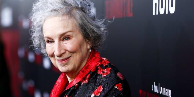 Margaret Atwood, autora de O Conto da Aia, na estréia da série baseada no romance.
