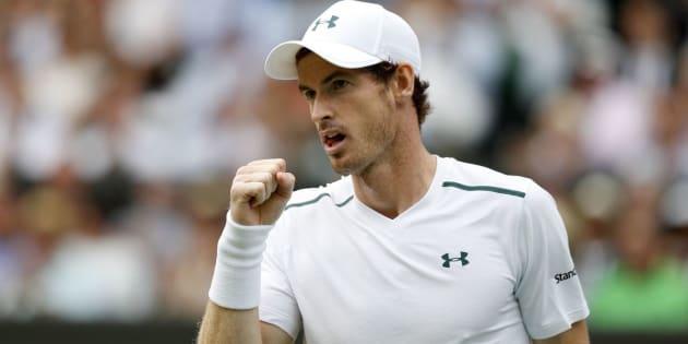 A reação de Andy Murray ao conquistar um ponto no sétimo dia do Campeonato de Wimbledon, em 10 de julho.